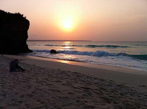 宮古島の砂山ビーチで夕日サンセットを堪能