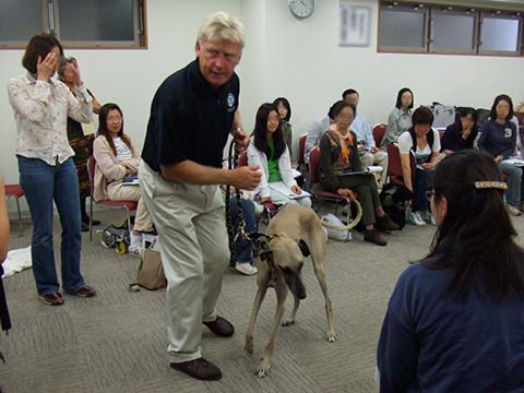 原則がわかれば、どんな動物でも、何歳からでもトレーニングが出来る!by スティーブ・オースティン